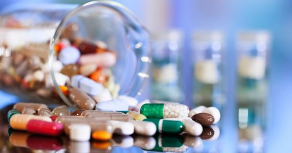 """რას ნიშნავს """"წამლის გამსაღებელი ექიმები"""" და პრობლემა, რომლის შესახებაც ექიმების ნაწილი ალაპარაკდა"""