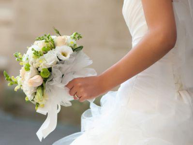 გოგონამ გარდაცვლილ შეყვარებულზე იქორწინა